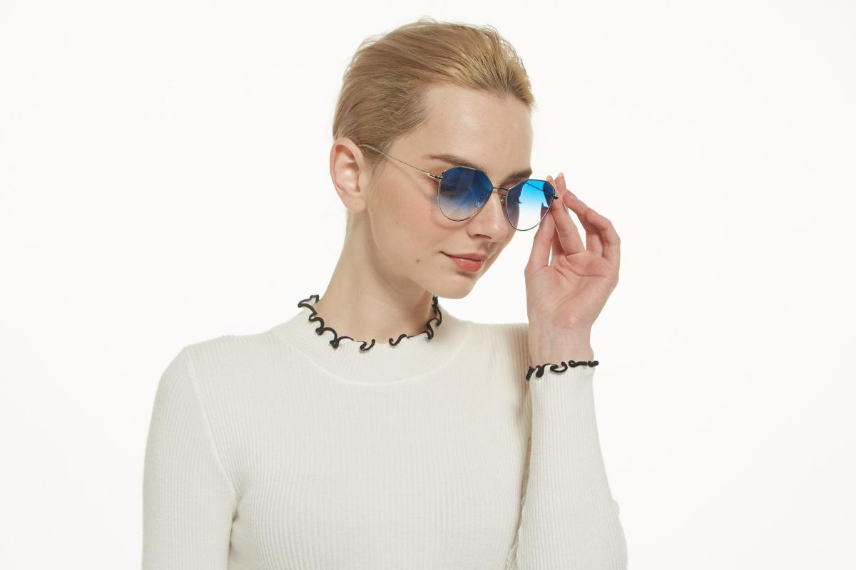 Surberly-Silver-Metal-Eyeglasses-detail