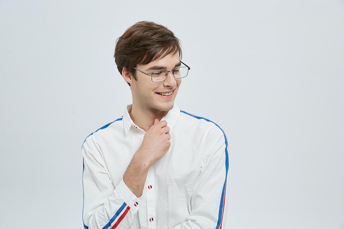 Edmonton-Brown-Metal-Eyeglasses-detail