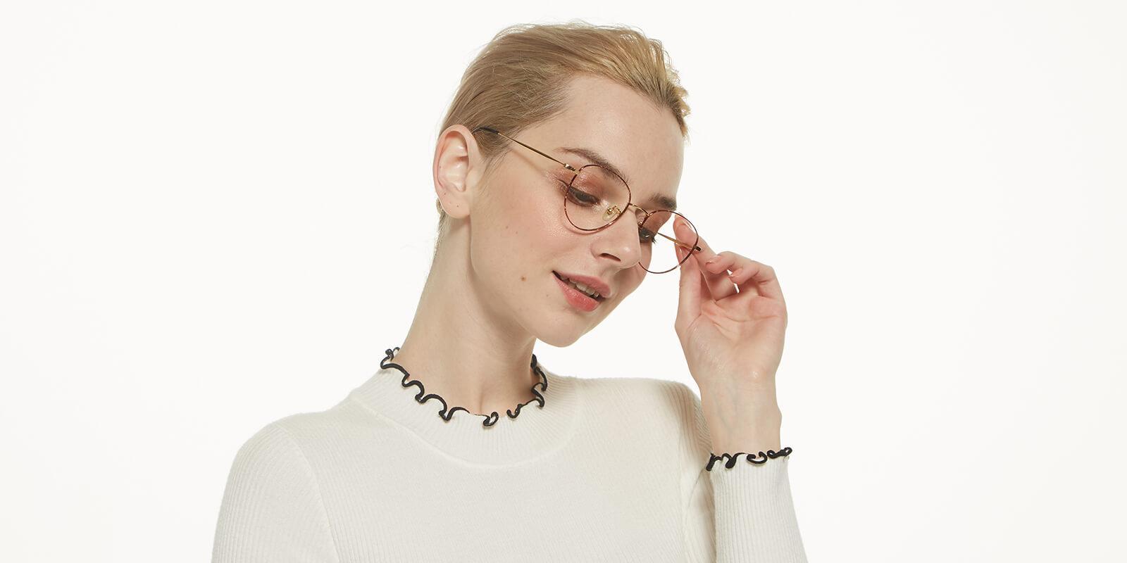 Litteray-Pattern-Titanium-Eyeglasses-detail3