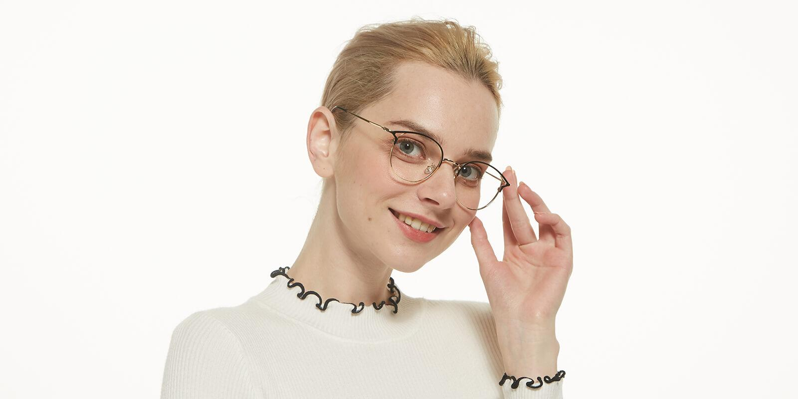 Brace-Gold-Metal-Eyeglasses-detail4