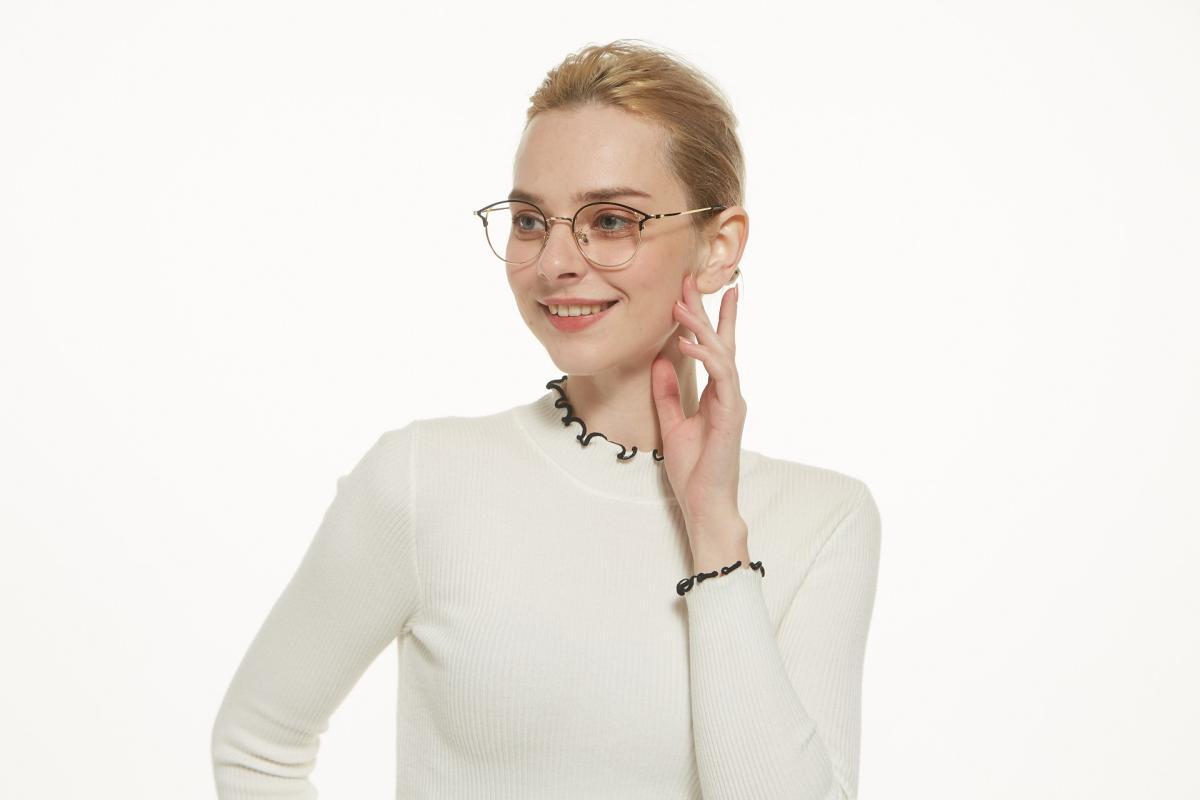 Brace-Gold-Metal-Eyeglasses-detail