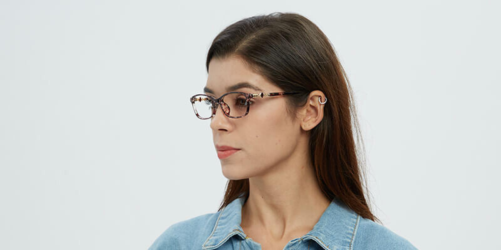 Butterfly-Purple-Plastic-Eyeglasses-detail